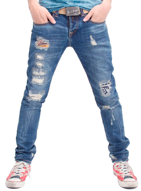 02_ripped_jeans
